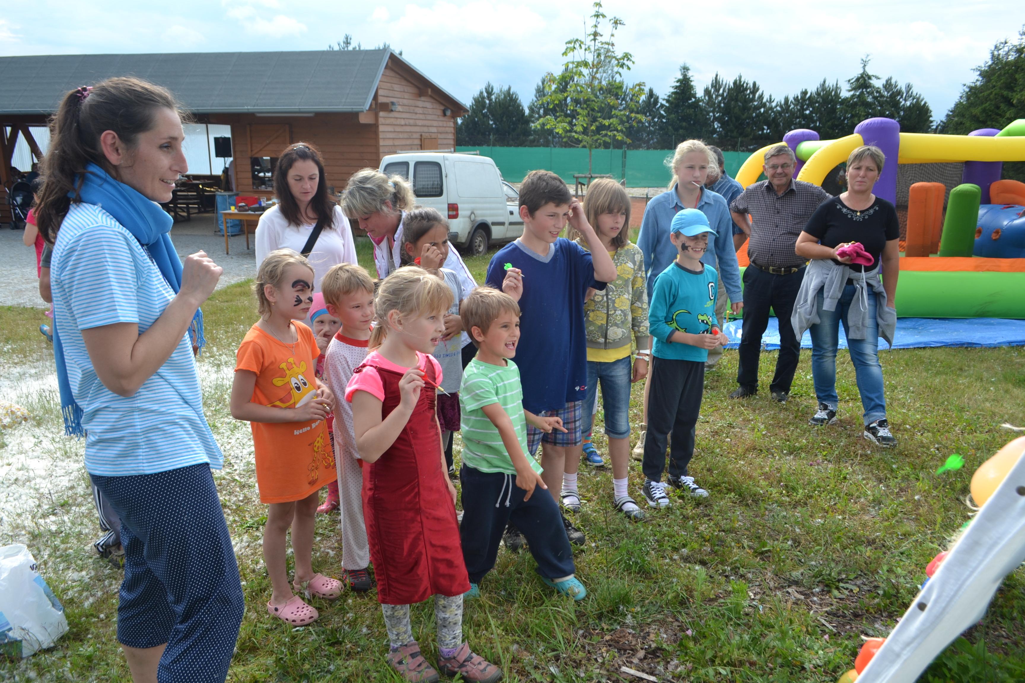 Odhalení pamětní desky, pouťové posezení, letní den pro děti